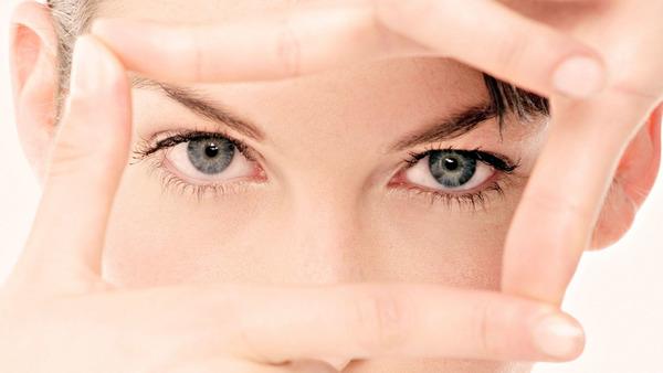 Глядя на кожу вокруг глаз, можно оценить состояние здоровья человека.