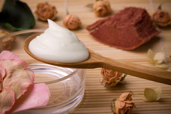 Что входит в состав крема для жирной кожи thumbnail